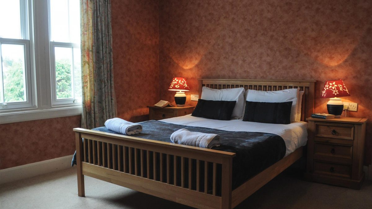 Kingsize Double room in Cologin Farmhouse